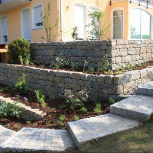 Garten- und Landschaftsbau Peter Oskar in Reithofen - Kategorie